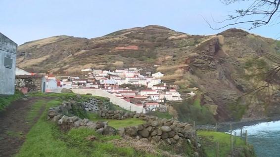 """<span class=""""entry-title-primary"""">La Isla de Corvo en Azores es el primer territorio europeo con inmunidad de grupo</span> <span class=""""entry-subtitle"""">El pasaporte de vacunación puede ser el siguiente paso después de la inmunización</span>"""