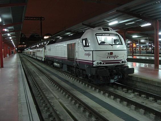 """<span class=""""entry-title-primary"""">La península ibérica pierde los trenes nocturnos pero la opción salmantina diurna entre Lisboa-Madrid gana fuerza</span> <span class=""""entry-subtitle"""">El Gobierno portugués está estudiando alternativas para conectar las principales ciudades ibéricas</span>"""