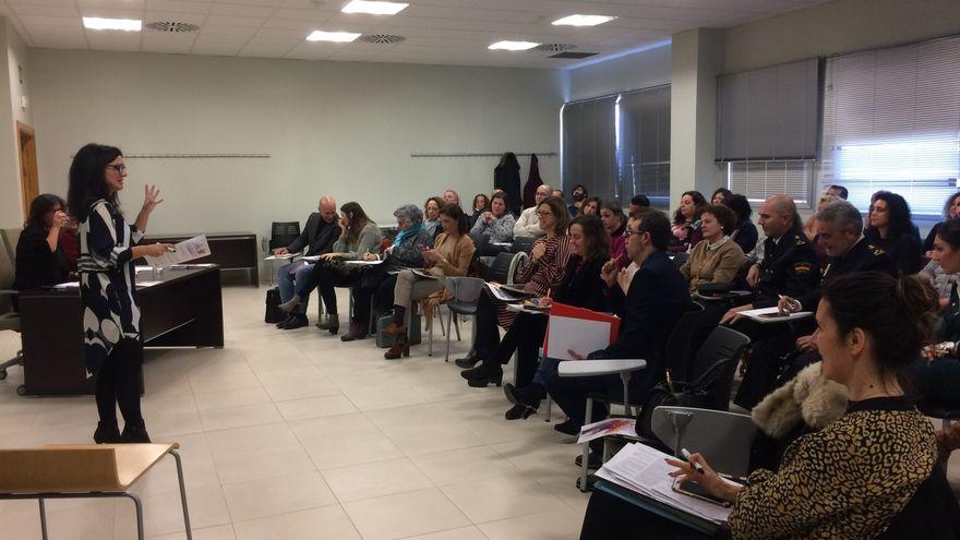 """<span class=""""entry-title-primary"""">Espanha e Portugal unem-se na fronteira contra a violência de género</span> <span class=""""entry-subtitle"""">É uma das iniciativas do Programa de Cooperação Transfronteiriça Interreg</span>"""