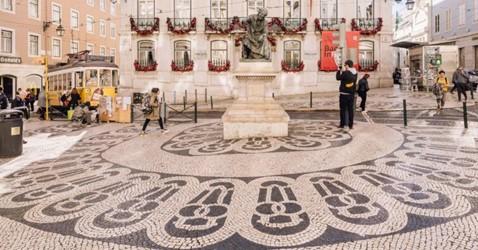 Calçada portuguesa vai ser candidata a património imaterial nacional