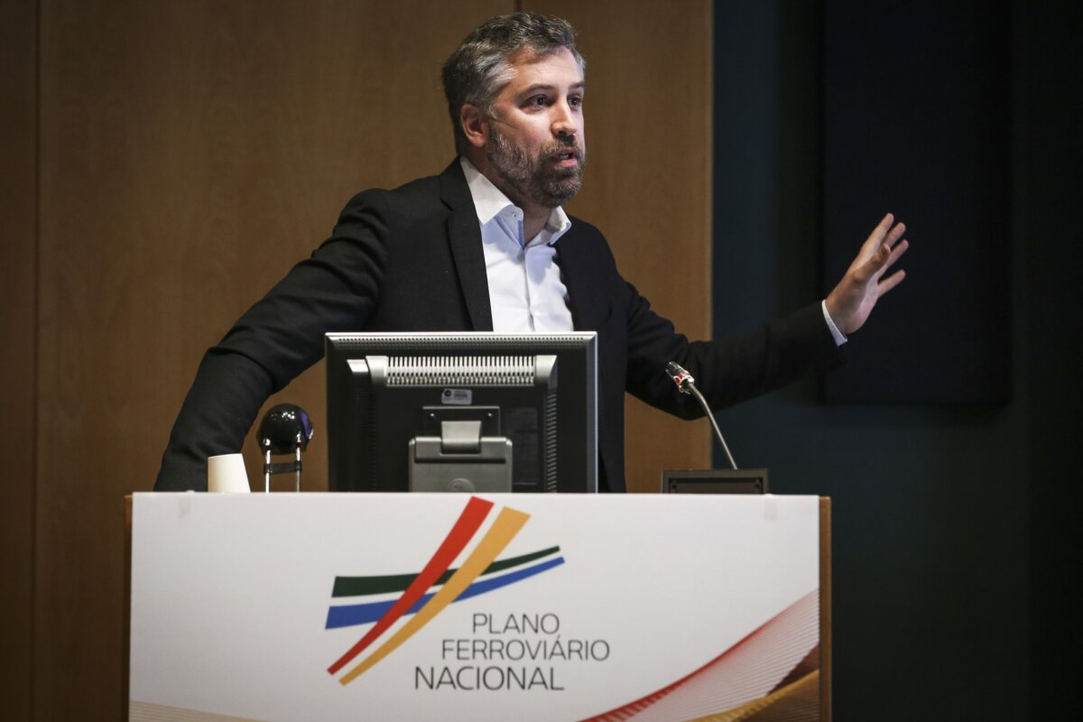 """<span class=""""entry-title-primary"""">El nuevo plan ferroviario portugués prevé conectar todas las ciudades</span> <span class=""""entry-subtitle"""">Portugal recupera una idea de más de un siglo de historia</span>"""