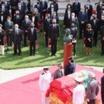 Felipe VI esteve presente na emotiva cerimónia de despedida a Jorge Sampaio no Mosteiro dos Jerónimos